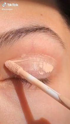 Eye Makeup Steps, Makeup Eye Looks, Eye Makeup Art, Eye Makeup Designs, Skin Makeup, Eyeshadow Steps, Simple Makeup Looks, Simple Eyeshadow Looks, Simple Eyeshadow Tutorial