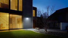 die besten 25 solarleuchten mit bewegungsmelder ideen auf pinterest solarlampe mit. Black Bedroom Furniture Sets. Home Design Ideas