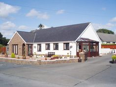 Llanmair - dog friendly contemporary holiday home near Cardigan Wales sleeps 6, 1 dog welcome - West Wales Holiday Cottages
