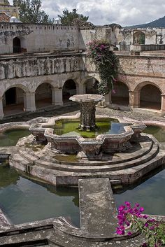 Convento de La Merced Antigua, Guatemala...  (via Flickr - Fotosharing!)    tagged as: antigua guatemala. guatemala.