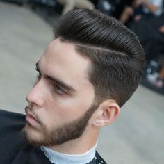 ap_cutz_and_Pompadour short sides scissor cut