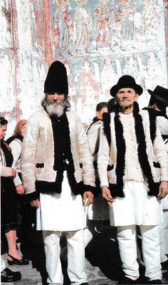 Gura Humorului, Bucovina, Moldavia Folk Costume, Costumes, Country Life, Fur Coat, Winter Jackets, Dressing, Europe, Traditional, Blouse