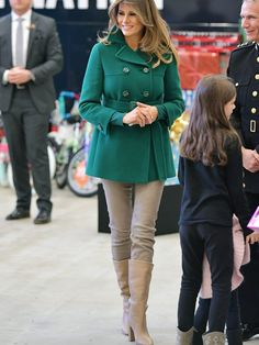 Milania Trump Style, Classy Outfits, Casual Outfits, Jessica Parker, First Lady Melania Trump, Trump Melania, Latest Outfits, Fashion Models, Trench