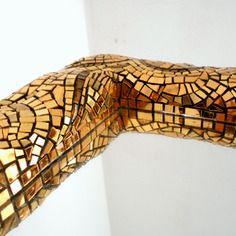 Specchio quadrato con cornice in oro