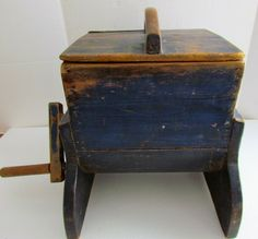 FABULOUS BRIGHT BLUE PAINTED TABLE TOP BUTTER CHURN