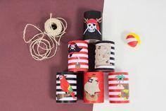 Réutilisez vos boites de conserve vides et créez un jeu chamboule-tout Pirates avec vos enfants. Decoration Pirate, Pirate Party Decorations, Deco Pirate, Pirate Theme, Pirate Activities, Craft Activities For Kids, Villains Party, Pirate Crafts, Pirate Birthday