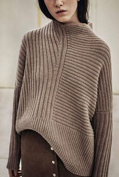 chunky knit sweater with suede skirt. Knitwear Fashion, Knit Fashion, Look Fashion, Womens Fashion, Ladies Knitwear, Latest Fashion, Fashion Ideas, Fashion Mode, Petite Fashion