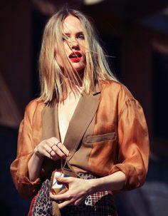 Tosca Dekker by Stefania Paparelli for Gioia June 2013, styled by Rossana Passalacqua | Grunge all'italiana editorial