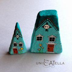 UniCATella: Little hauses