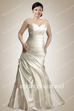 Stunning Sweetheart Ruched Plus Size Wedding Dress with Pick-ups