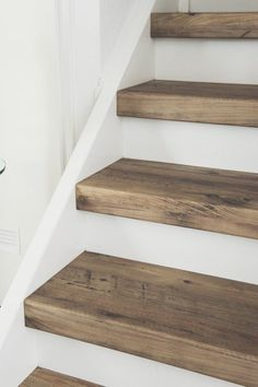 67 Ideas diy stairs makeover ideas basement steps – New Decor Trends House Stairs, Carpet Stairs, Wood Wood, Dark Wood, Stair Renovation, Basement Steps, Modern Basement, Living Room Wood Floor, Living Rooms