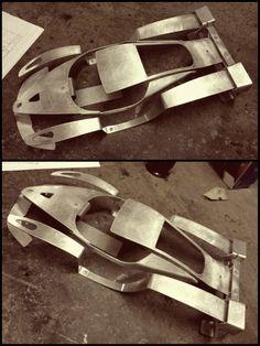 ferrari fxx All been about sculptures today :-) Custom Metal Fabrication, Diy Go Kart, Ferrari 288 Gto, Beach Cars, Porsche, Car Design Sketch, Car Gadgets, Futuristic Cars, Diy Car