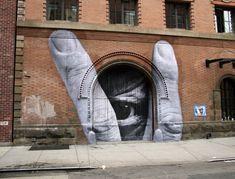 #streetart autour du monde JR x Liu Bolin, JR Through the Eye of Liu Bolin http://www.jr-art.net/ @Jamié Rṍchester