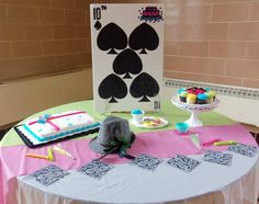 Cake table decor by FEM