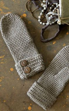 Virkatut lapaset - crochet mittens pattern (written in Finnish)