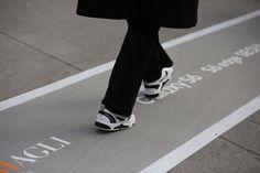 2015 f/w 서울패션위크 스트릿패션! 스베누 E라인 클래비 착용컷    #스베누 #sbenu #seoulfashionweek2015 #street #streetfashion #fashion #style #model #koreanmodel #item #fashionpeople #일상 #데일리룩 #클래비