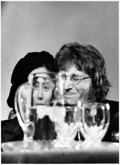 """ Yoko Ono and John Lennon in Syracuse, N. on Oct. 1971 during the press conference for Ono's solo exhibition. It was also John Lennon's birthda. Photo by Leroy Woodson. Beatles Photos, The Beatles, John Lennon Birthday, John Lennon Yoko Ono, Jhon Lennon, Wisconsin, Billy Preston, Joko, Famous Couples"