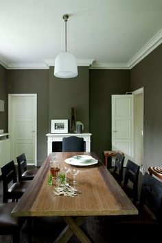 Khaki color as a case in the dining room – Paint color: why we love green – xn – … Source by escaliersdecors Dining Room Paint Colors, Kitchen Cupboards, House Goals, House Painting, House Design, Living Room, Furniture, Home Decor, Bleu Marine