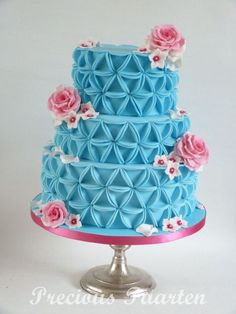 How to make a blue triangle cake- step by step- so cute!