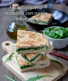 Taleggio, Salmon Burgers, Hamburger, Buffet, Sandwiches, Tasty, Ethnic Recipes, Oven, Cooking
