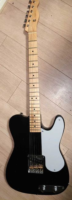 Music Instruments, Guitar, Auction, Musical Instruments, Guitars