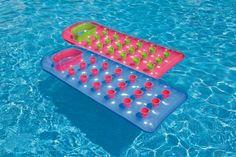 Lézardez au soleil à la piscine ou à la mer grâce au matelas gonflable Intex glossy ! #matelas #gonflable #intex #raviday #jeu #eau #plage #mer #piscine