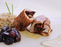 Rollos de pavo con canela y dátiles y salsa de kiwi: http://www.thespanishfood.es/2012/02/rollos-de-pavo-de-canela-y-datiles-con.html