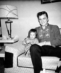 Johnny Cash Daughters | Johnny Cash with daughter Rosanne