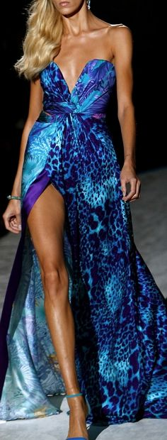 roberto cavalli...great color  Roberto Cavalli Spring 2014 Milan  New fashion collection Roberto Cavalli http://fashion.manysales.ru/Roberto-Cavalli/