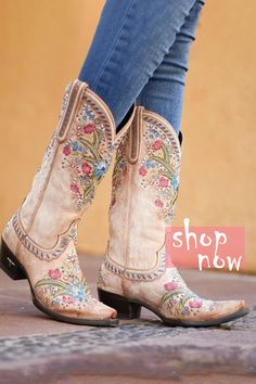 Punk Boots, Cowgirl Boots, Western Boots, Cute Shoes, Me Too Shoes, All Nike Shoes, Pointed Toe Block Heel, Wedding Boots, Slip On Boots