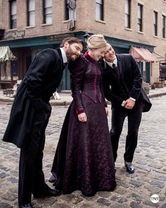 """lukeevanss: """""""" The Alienist It's the little moments we have to be thankful for.#HappyThanksgiving from the cast of #TheAlienist. """" """""""