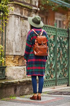 TIE BOW-TIE: OVERSIZE TARTAN COAT AND THANK YOU NOTE