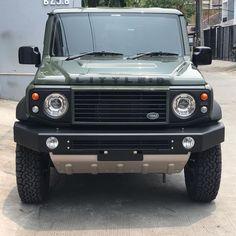 Luxury Car Logos, Offroader, Suzuki Jimny, Mitsubishi Pajero, Ford Bronco, Jakarta, Cars And Motorcycles, Cool Cars, Dream Cars