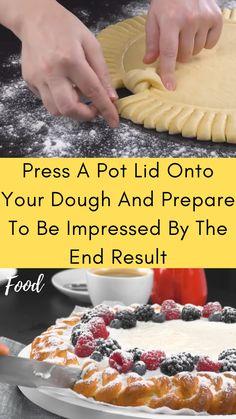 Just Desserts, Dessert Recipes, Dinner Recipes, Pie Crust Designs, Good Food, Yummy Food, Pot Lids, Tray Bakes, Food Hacks