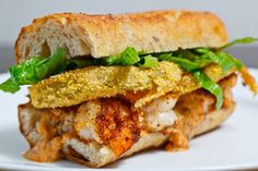 Fried Green Tomato and Shrimp Remoulade. Fried Green Tomato and Shrimp Remoulade Po Boy sandwich. Po Boy Sandwich, Soup And Sandwich, Shrimp Sandwich, Poboy Sandwich Recipe, Tomato Sandwich, Cajun Recipes, Seafood Recipes, Cooking Recipes, Creole Recipes