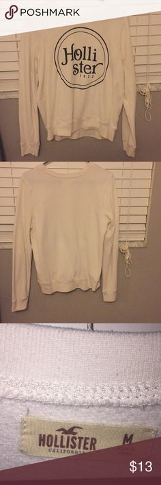 Hollister sweat shirt Only worn once it just does not fit me right Hollister Tops Sweatshirts & Hoodies