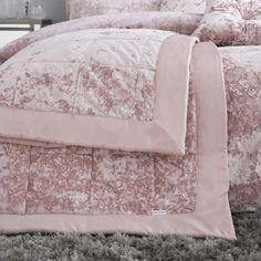 Crushed Velvet Luxury Blush Pink Duvet Cover Set – Ideal Textiles Velvet Bedding Sets, Velvet Bedspread, Velvet Cushions, Bed Covers, Duvet Cover Sets, Quilted Bedspreads, Bedroom Accessories, Crushed Velvet, Bed Sizes