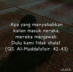 "astriditadw _ ""Yang pertama-tama di pertanyakan terhadap seorang hamba pada hari kiamat dari amal perbuatannya adalah tentang shalatnya. Apabila shalatnya baik maka dia beruntung dan sukses dan apabila shalatnya buruk maka dia kecewa dan merugi."" . Maka dari itu kita sebagai seorang muslim yang baligh dan berakal hendaknya menunaikan ibadah shalat (fardu). Karena bagi yang meninggalkannya berat hukumannya. . Semoga kita termasuk orang-orang yang menunaikan shalat (fardu) dengan tuntunan…"