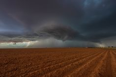 Storm Chasing West Texas 2 - Photography by  Richard Yates