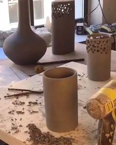Easy DIY Chunky Throw Blankets – List Pin Clay-Ideen ideen polymer,Teebeutelhalter aus Fimo selber machen: Kaktus DIY + Videotutorial - HANDMADE Kulturfimo diyHow to use a drill Easy DIY Chunky Throw Blankets Pottery Tools, Slab Pottery, Ceramic Pottery, Pottery Art, Ceramic Techniques, Pottery Techniques, Ceramic Cafe, Pottery Handbuilding, Pottery Videos