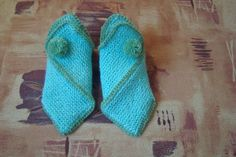 DIY Pretty Knitted Home Slippers | iCreativeIdeas.com LIKE Us on Facebook ==> https://www.facebook.com/icreativeideas