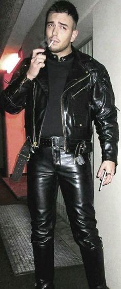 Mens Leather Pants, Leather Pants Outfit, Biker Boys, Cowboy Outfits, Bearded Men, Leather Fashion, Sexy Men, Black Leather, Jacket Men