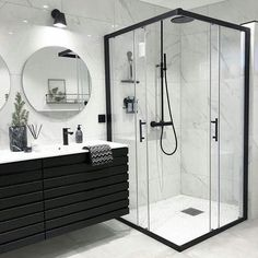 Banheiro preto e branco: 50 dicas e inspirações Bathroom Goals, Dream Bathrooms, Master Bathrooms, Small Bathrooms, Dream Rooms, Beautiful Bathrooms, Farmhouse Bathrooms, Modern Bathrooms, Modern Farmhouse