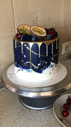 Professional Cake Decorating, Creative Cake Decorating, Cake Decorating Designs, Cake Decorating Videos, Pretty Birthday Cakes, Pretty Cakes, Happy Birthday, Cake Decorating Frosting, Birthday Cake Decorating