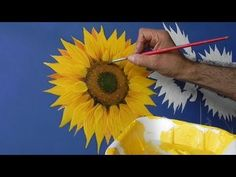 Como pintar girasoles How to paint sunflower 2 One Stroke Painting, Acrylic Painting Techniques, Painting Videos, Love Painting, Fabric Painting, Painting & Drawing, Tole Painting Patterns, Country Paintings, Learn To Paint