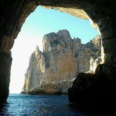 Isola di Marettimo - Grotta della Bombarda