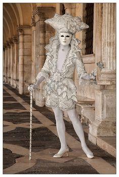 Venetian Costumes, Venice Carnival Costumes, Venetian Carnival Masks, Carnival Of Venice, Venetian Masquerade, Masquerade Costumes, Masquerade Party, Venice Carnivale, Venice Mask