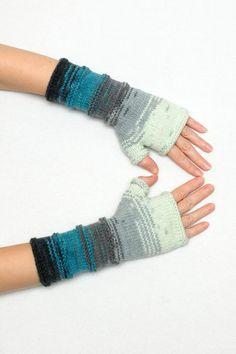 Blue Gray  Long knit gloves  Knit por PrettyCrochetForYou en Etsy