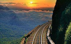 Passeio de trem pela Serra do Mar do Paraná, entre Morretes e Curitiba (PR)