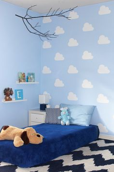 DIY cloud stencil for kid's bedroom. Stencil painted accent wall with clouds. Baby Bedroom, Baby Boy Rooms, Girls Bedroom, Kids Rooms, Boys Room Decor, Bedroom Decor, Nursery Decor, Cama Junior, Diy Bebe